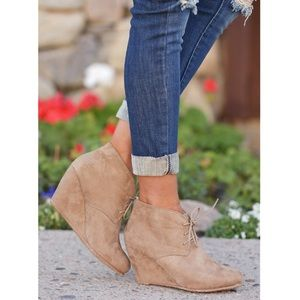 🌈 Tan Suede wedge booties